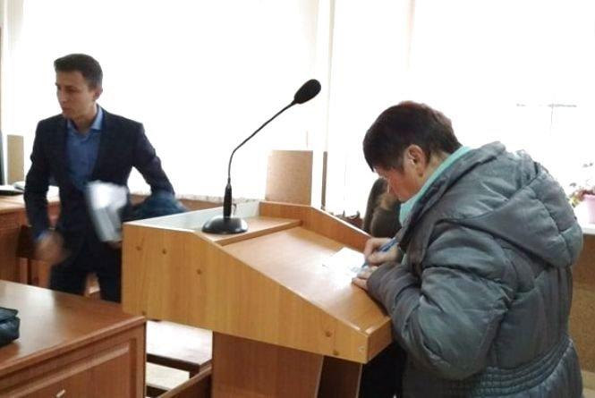 За зґвалтування 64-річної матері тернополянина судять його друга: дружина переконує, що той не винен (ФОТО), фото-2