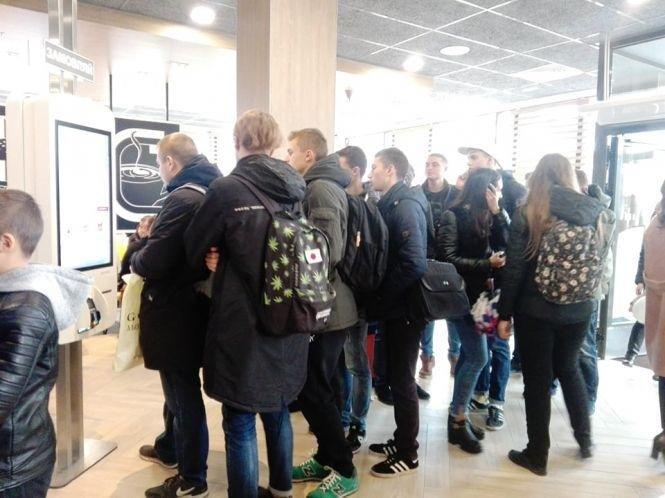 Тернопільський McDonald's вже приймає перших відвідувачів (ВІДЕО), фото-1