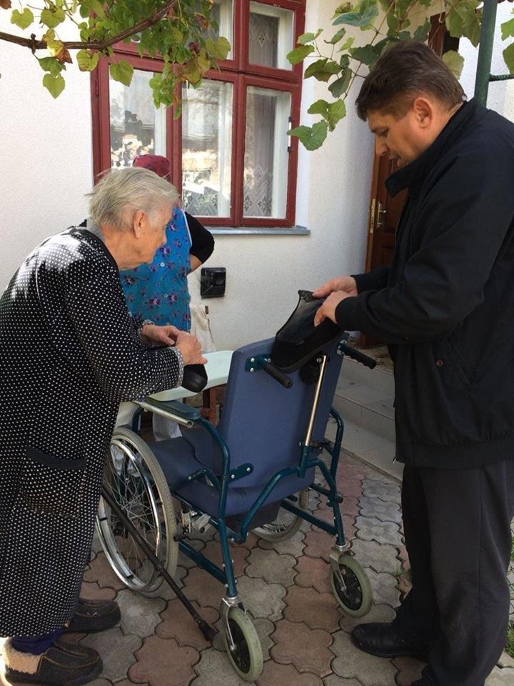 На Тернопільщині 101-річна матір доглядає доньку, яка прикута до ліжка (ФОТО), фото-1
