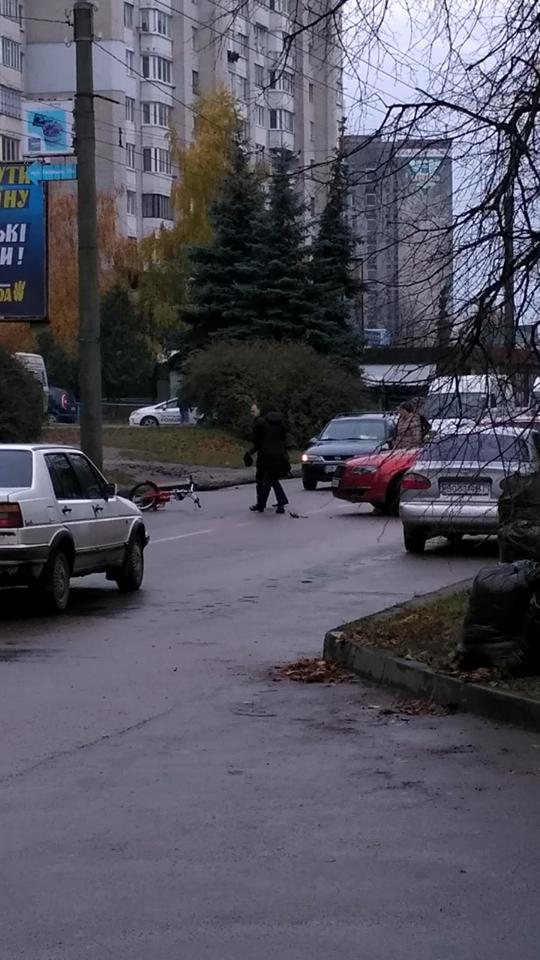 У Тернополі на Бамі автомобіль збив велосипедиста (ФОТО), фото-3