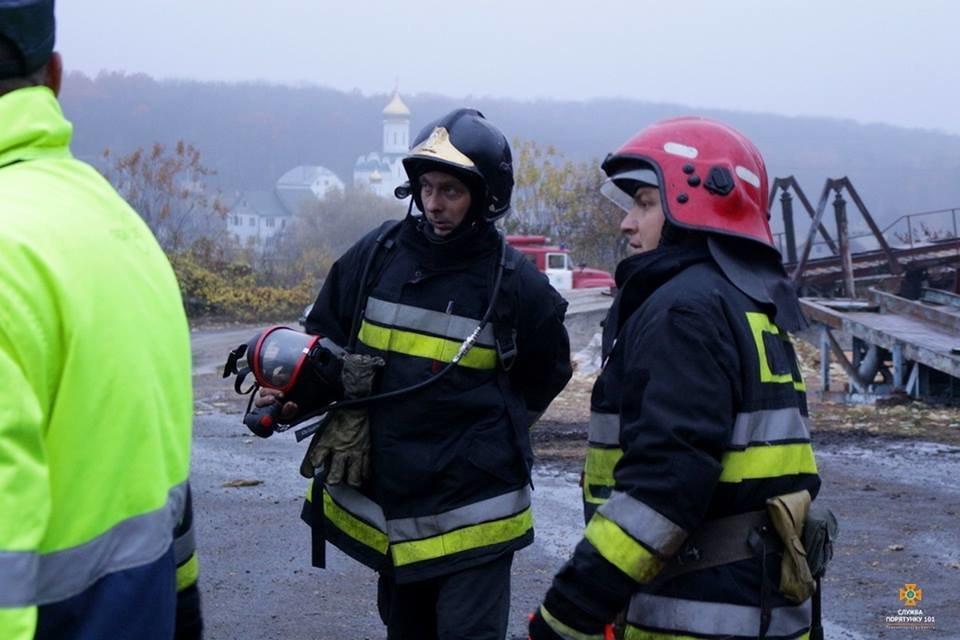 На Тернопільщині від ночі не можуть погасити масштабну пожежу (фото), фото-5