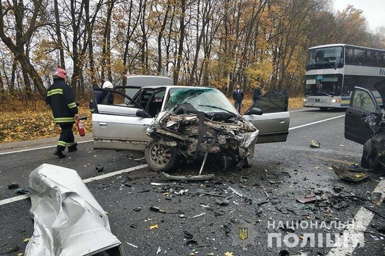 На трасі Львів-Тернопіль кілометрові черги з автомобілів через страшну аварію (ФОТО+ВІДЕО), фото-2