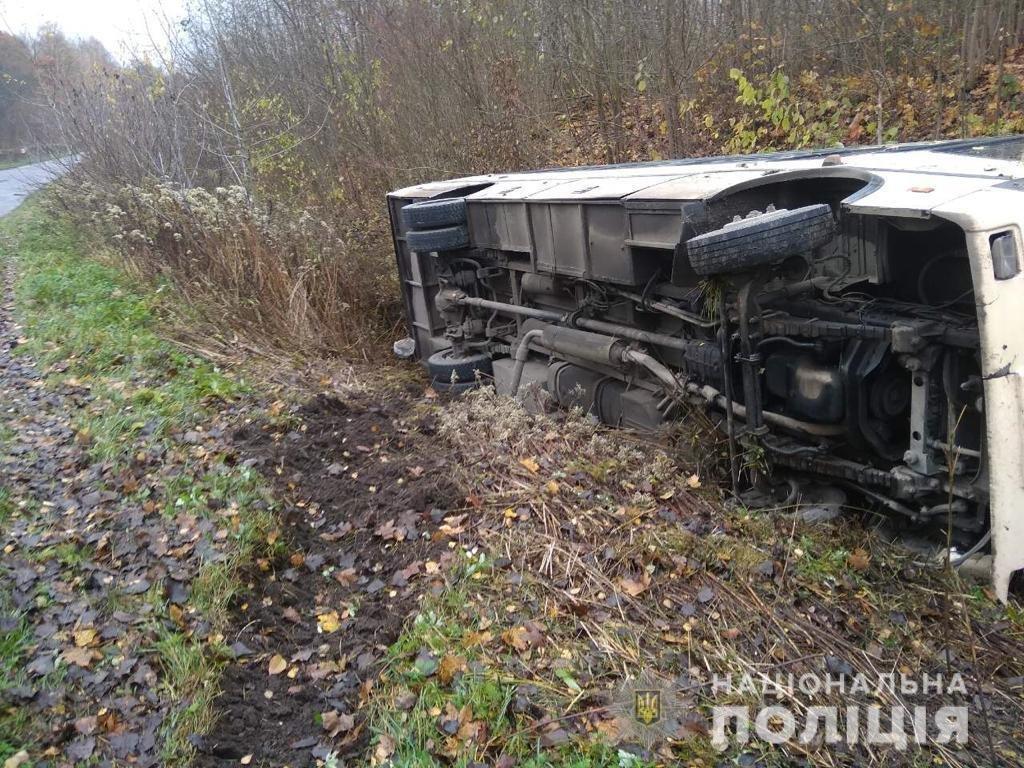 На Тернопільщині в ДТП потрапив рейсовий автобус: водій загинув на місці (ФОТО), фото-1