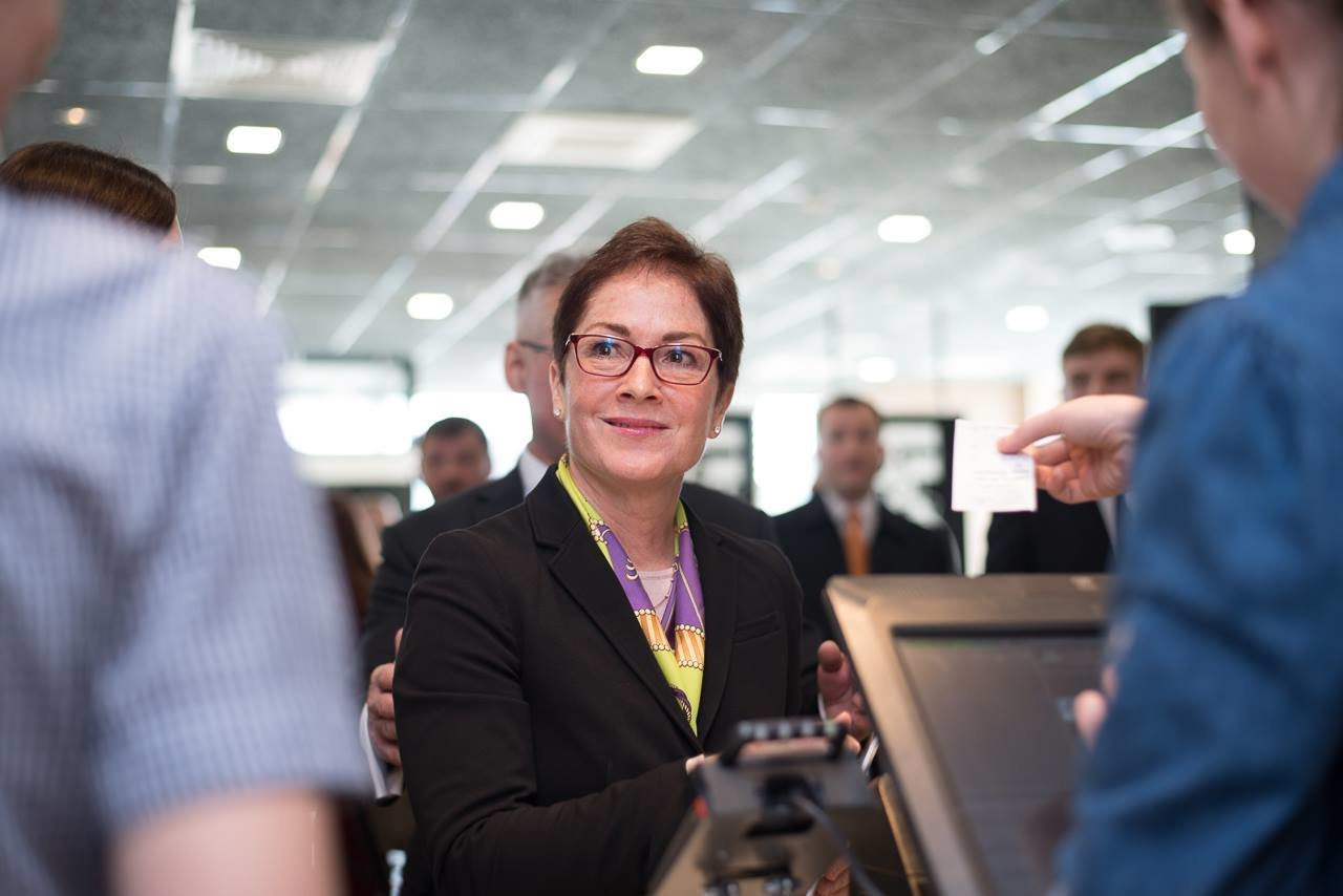 Посол США в Україні Марі Йованович: відкриття МакДональдз у Тернополі – це довіра до міста та інвестиції в економіку (фото), фото-3