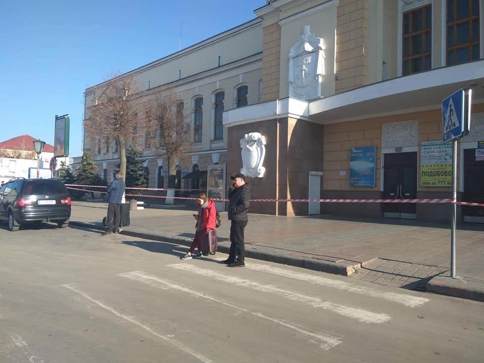 У Тернополі «замінували» вокзали (ФОТО), фото-2