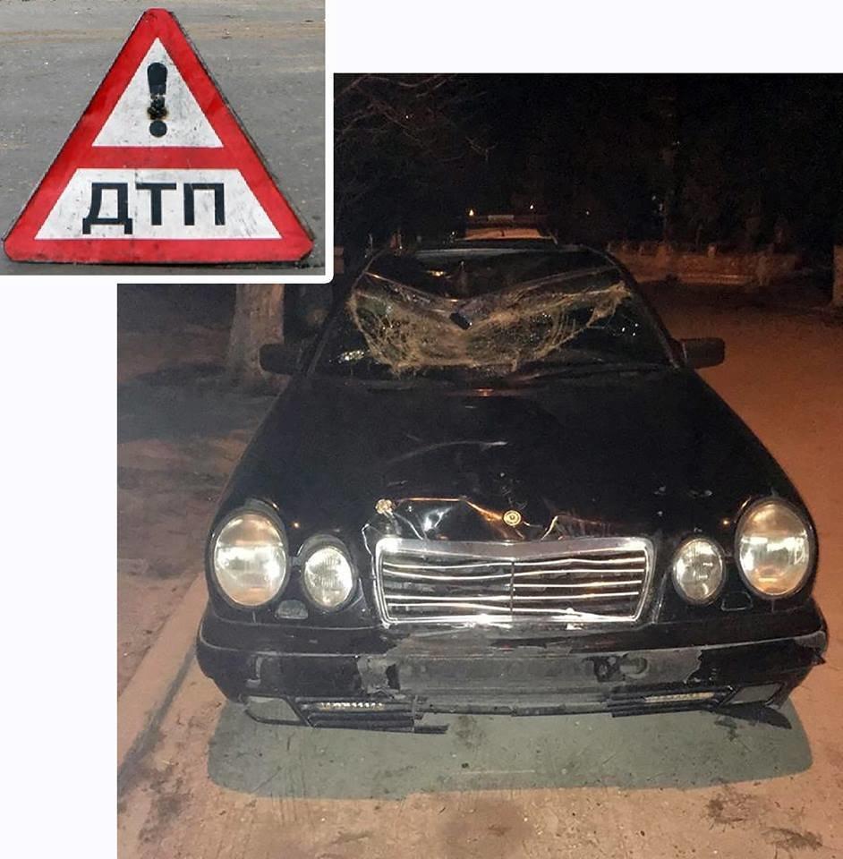 На Тернопільщині сталася аварія: 20-річний водій збив на смерть людину і втік, покинувши авто (ФОТО), фото-1