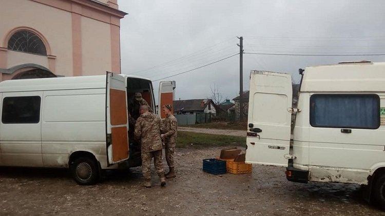 Волонтери з Тернопільщини везуть на фронт допомогу та концерт (ФОТО), фото-2