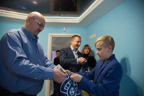 Сім'я загиблого на Луганщині Руслана Муляра отримала нове житло (фото) , фото-3