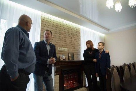 Сім'я загиблого на Луганщині Руслана Муляра отримала нове житло (фото) , фото-1