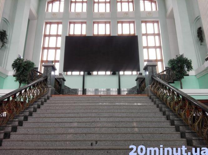 Залізничний вокзал Тернополя досі без годинників – нема запчастин, фото-1