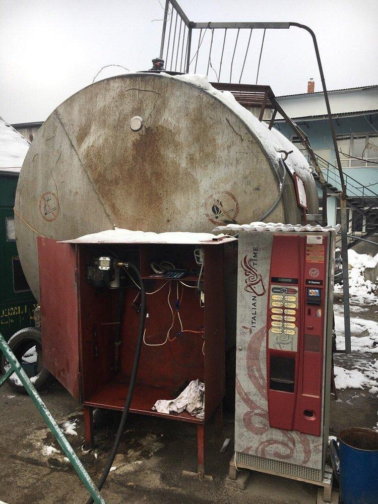 У Тернополі процвітають підпільні заправки (ФОТО), фото-2