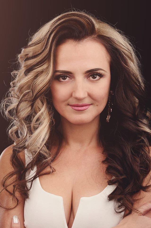 Українська співачка, яка 12 років прожила у США, представила у Тернополі свій новий кліп (ФОТО+ВІДЕО), фото-1