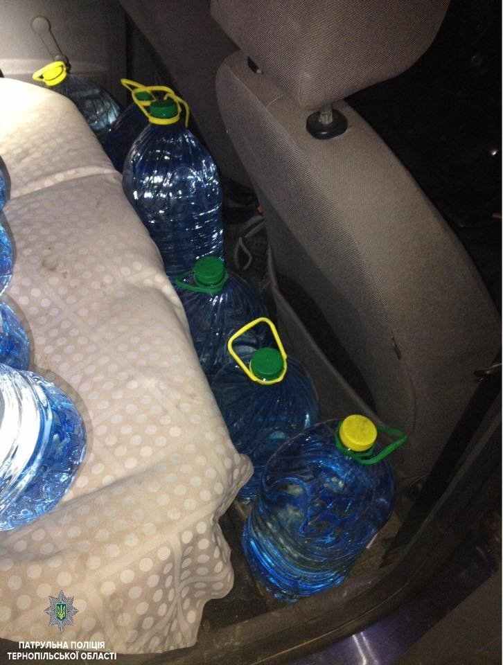 У Тернополі затримали водія, який перевозив чималу кількість спирту (фото), фото-1