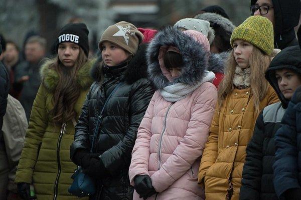 85-ті роковини голодомору: На Театральному майдані зібралися сотні тернополян (фото), фото-3