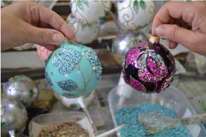 На Тернопільщині талановиті майстрині створюють унікальні ялинкові іграшки (ФОТО), фото-2