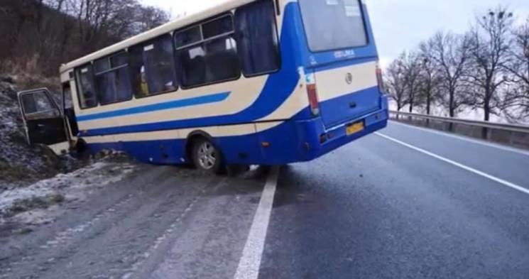 На трасі Львів-Тернопіль трапилось дві аварії, повідомляють про 7 постраждалих (ФОТО), фото-2