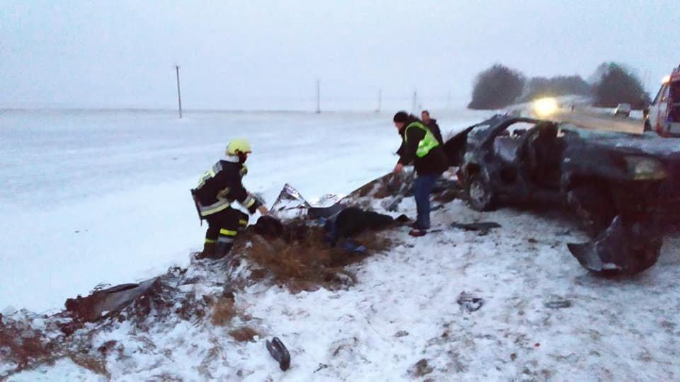 Жахлива ДТП на Тернопільщині: двоє людей загинуло, решту госпіталізовано (ФОТО), фото-3