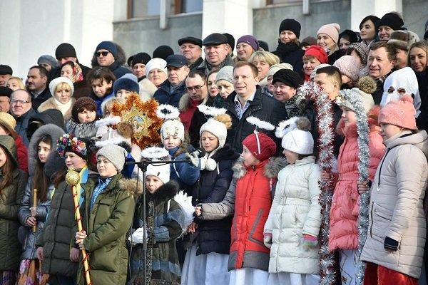 Тернопільська ОДА та облрада запустили флешмоб «Україна колядує» (фото, відео), фото-4