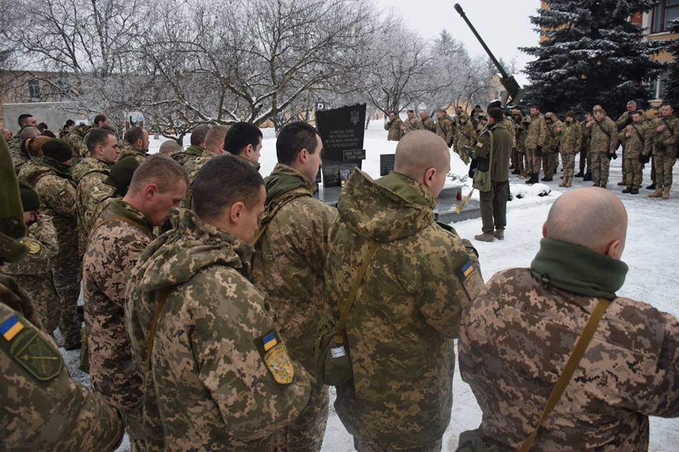У Тернополі відбулася панахида за солдатом, якого «покосила» куля снайпера (ФОТО), фото-2