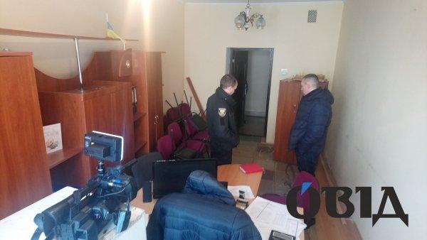 У службовому кабінеті тернопільського чиновника велася прихована відеозйомка (ФОТО), фото-3