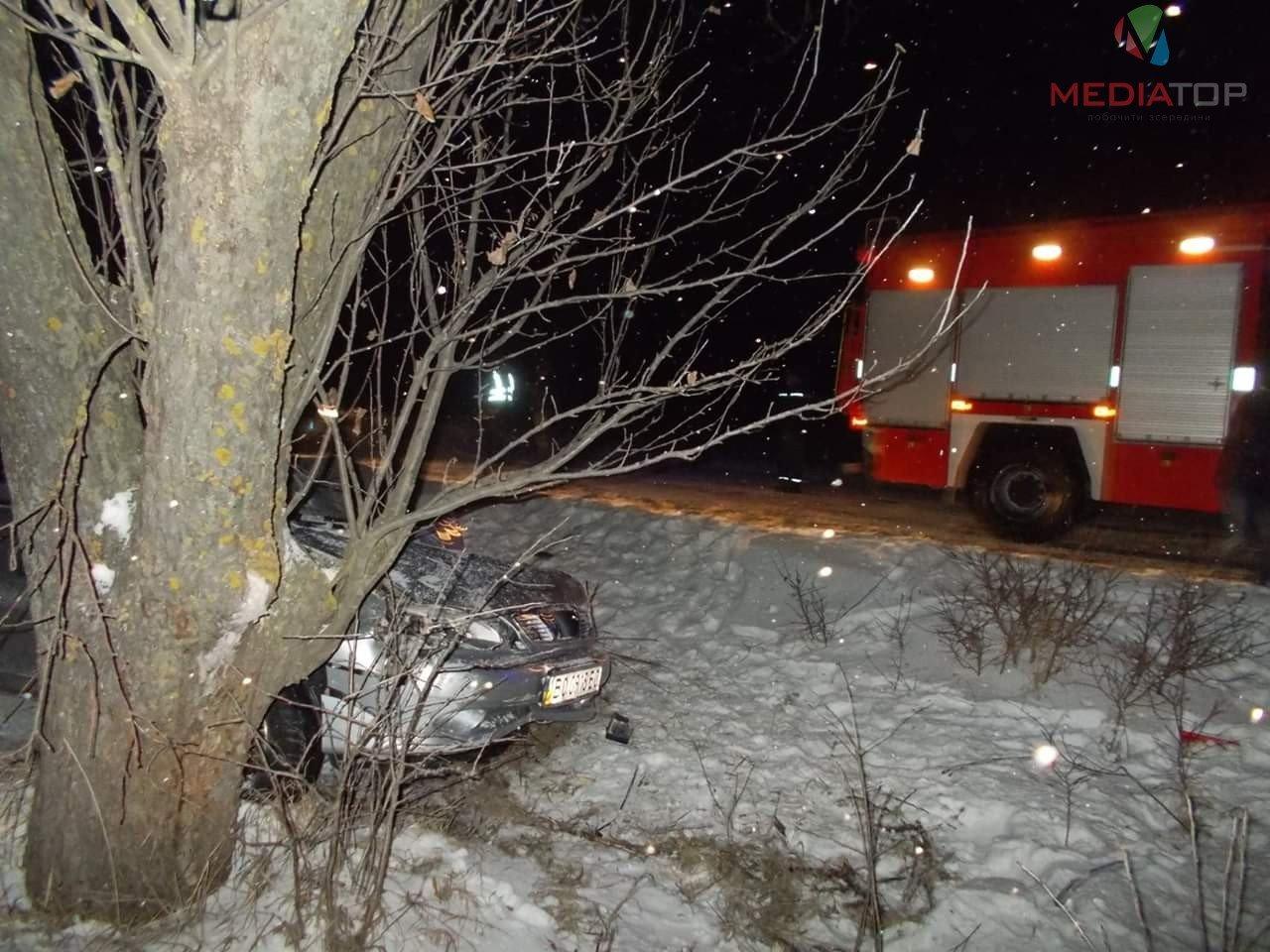 На Тернопільщині Daewoo Lanos злетів у кювет, постраждав пасажир (ФОТО), фото-2