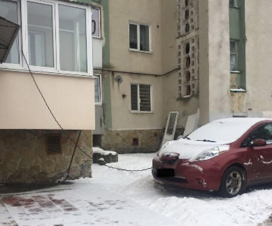 У Тернополі власники електрокарів заряджають свої авто, не виходячи з дому (ФОТО), фото-1