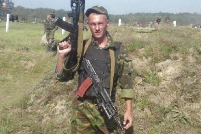 """Мама кіборга Івана Вітишина - про сина: """"У ту ніч, коли підірвали аеропорт і наші хлопці гинули, я не спала"""", фото-1"""