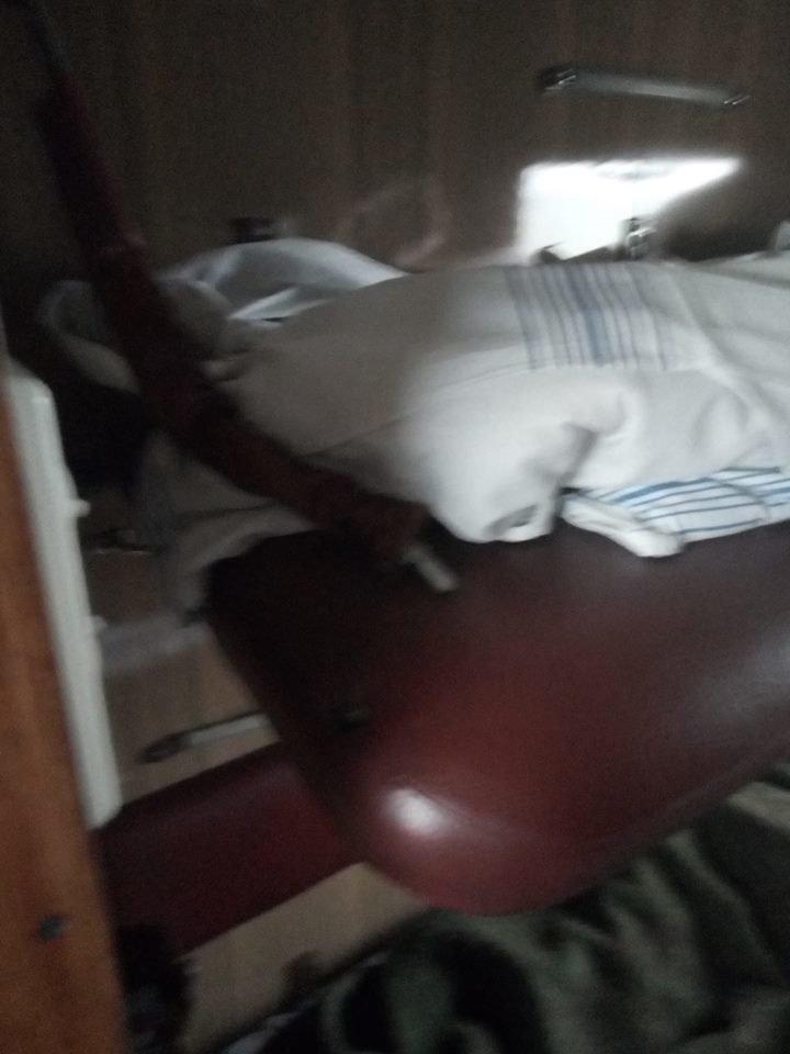 В поїзді, що курсує через Тернопіль, під депутатом обірвалась полиця (ФОТО), фото-2