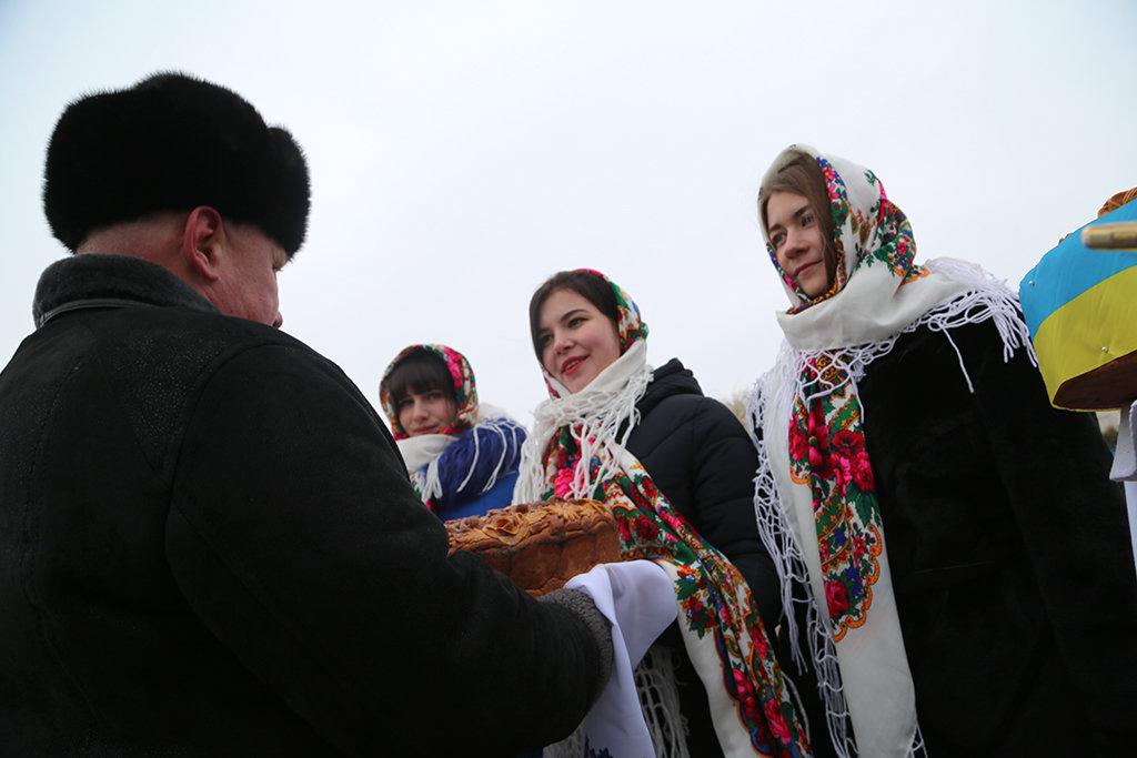 Жителі Гусятинщини та Чемеровеччини на річці Збруч вшанували 100-річчя Акту Злуки (фоторепортаж), фото-2