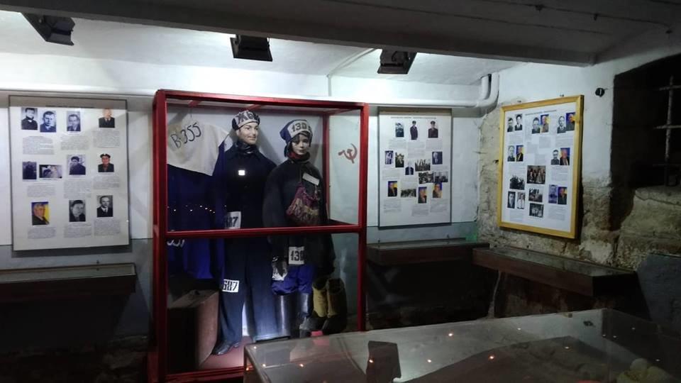 Щоб провести ніч в камері слідчого ізолятора КДБ, до Тернополя приїхала молодь з кількох міст (ФОТО), фото-2