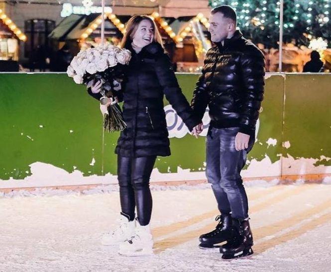 """Романтичне освідчення на тернопільській ковзанці: дівчина сказала: """"Так!"""" (ФОТО+ВІДЕО), фото-3"""