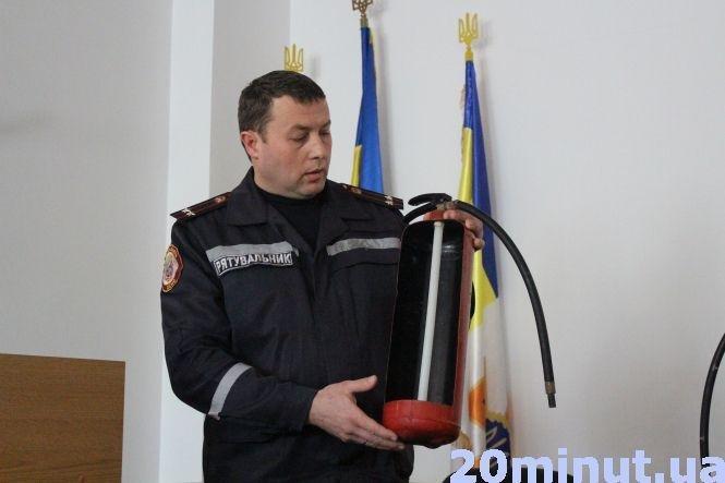 Тернопільські пожежники пояснили, як правильно користуватися вогнегасником (ВІДЕО), фото-1