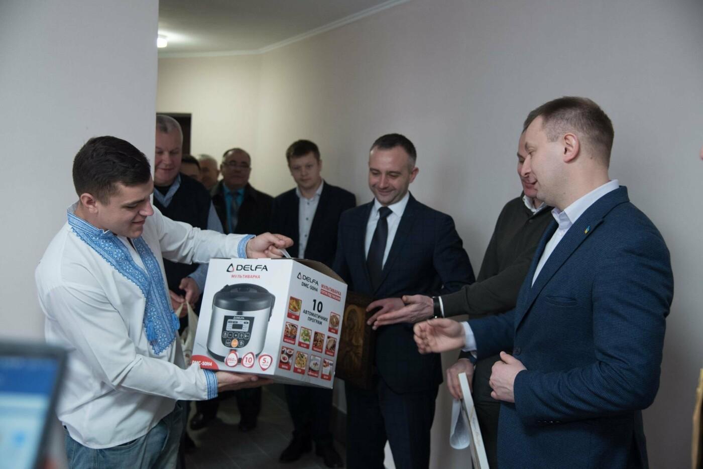 Житло для дітей-сиріт: Завдяки державній підтримці квартиру у Тернополі отримав Михайло Пекар (фото), фото-5