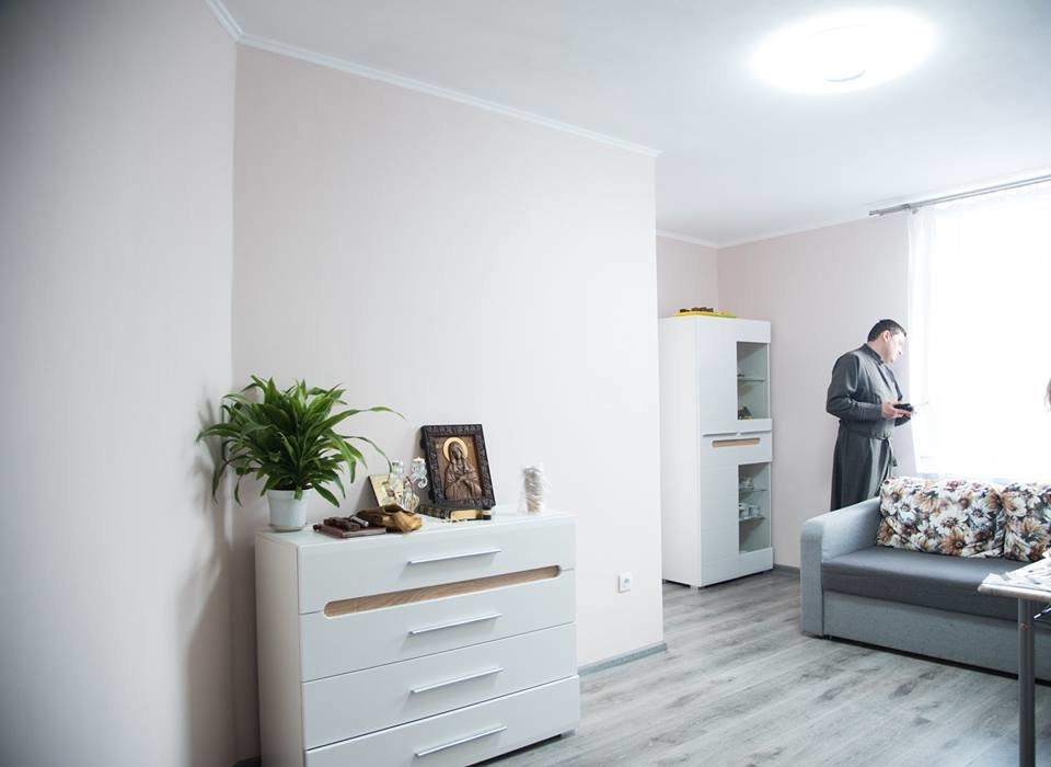Житло для дітей-сиріт: Завдяки державній підтримці квартиру у Тернополі отримав Михайло Пекар (фото), фото-4