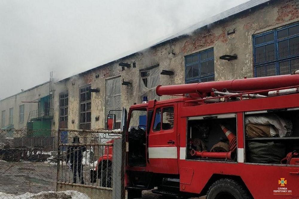 Пожежа у Тернополі: під час гасіння вогню неможливо було дихати (ФОТО), фото-3