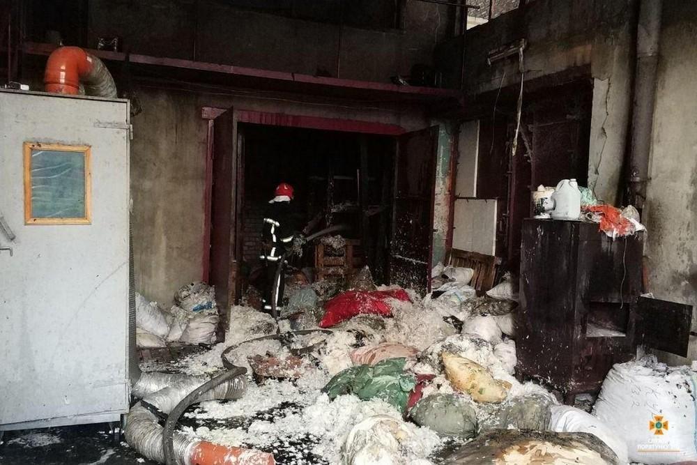 Пожежа у Тернополі: під час гасіння вогню неможливо було дихати (ФОТО), фото-4