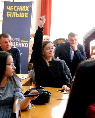 Анатолій Гриценко: «На відкритих дебатах кандидати на посаду президента повинні показати свою команду та чесно відповісти на запитання гром..., фото-1
