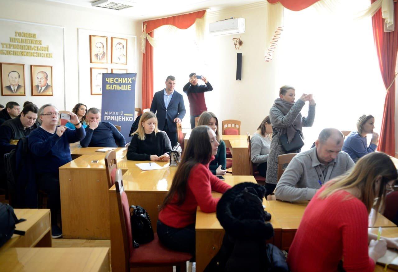 Анатолій Гриценко: «На відкритих дебатах кандидати на посаду президента повинні показати свою команду та чесно відповісти на запитання гром..., фото-5