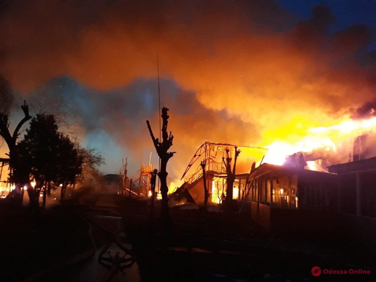 В Затоці вщент згоріла база відпочинку, яка належить тернопільському підприємству (Фото), фото-1