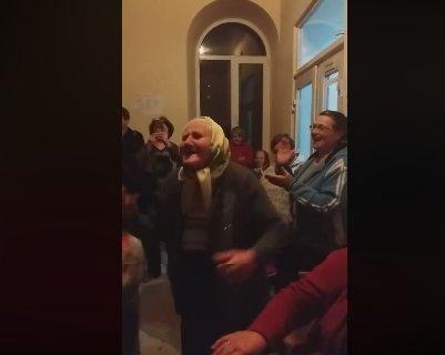 Танець 90-річної бабусі з Тернопільщини підкорює мережу (ВІДЕО), фото-1