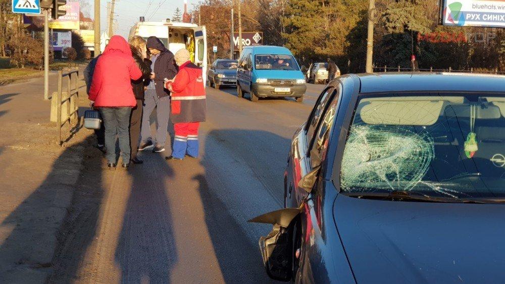 На пішохідному переході у Тернополі збили батька і сина (ФОТО), фото-3