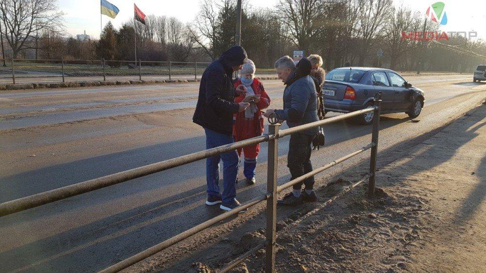 На пішохідному переході у Тернополі збили батька і сина (ФОТО), фото-5