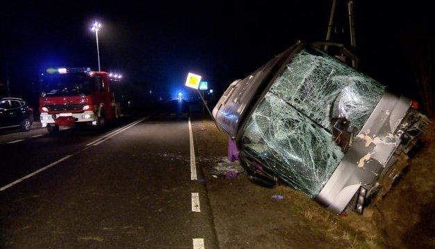 У Польщі в жахливу ДТП потрапив автобус з українцями: водій загинув на місці, постраждалих госпіталізовано (ФОТО), фото-1