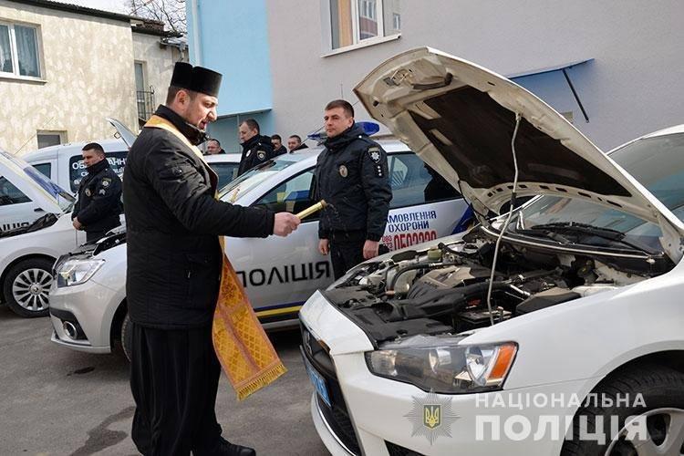 Нові авто тернопільської поліції освятив священик (ФОТО), фото-3