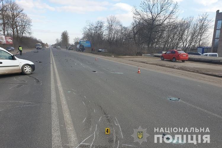 На вихідних під Тернополем зіткнулись дві автівки: водіїв госпіталізували, один з них помер ще дорогою до медзакладу (ФОТО), фото-2