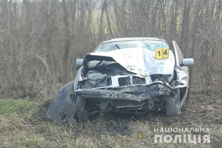 На вихідних під Тернополем зіткнулись дві автівки: водіїв госпіталізували, один з них помер ще дорогою до медзакладу (ФОТО), фото-1
