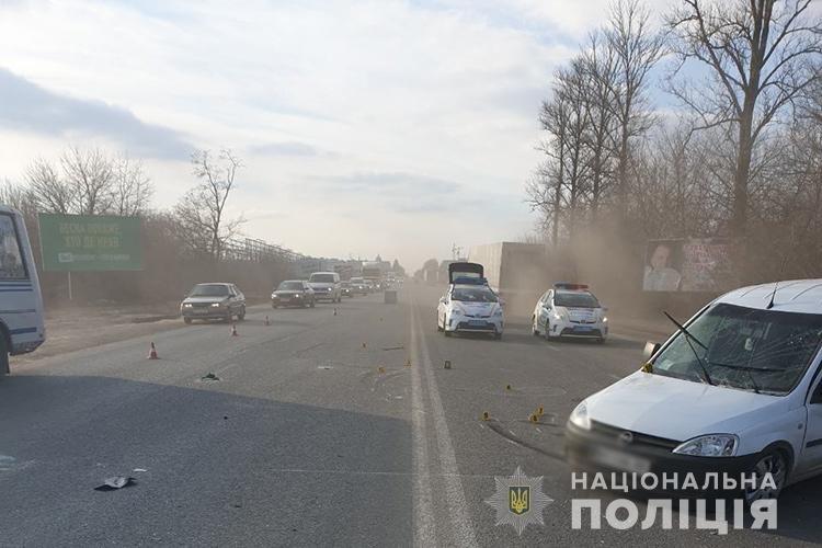 На вихідних під Тернополем зіткнулись дві автівки: водіїв госпіталізували, один з них помер ще дорогою до медзакладу (ФОТО), фото-3
