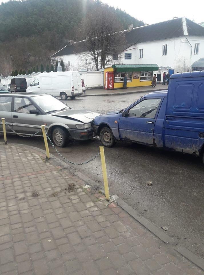 Нетипова аварія: на Тернопільщині авто без водія спричинило ДТП (ФОТО), фото-1