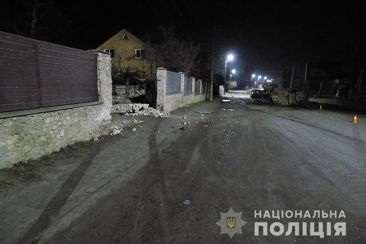 У ДТП на Тернопільщині травмувалося 5 людей, водій викликав швидку та утік (ФОТО), фото-1