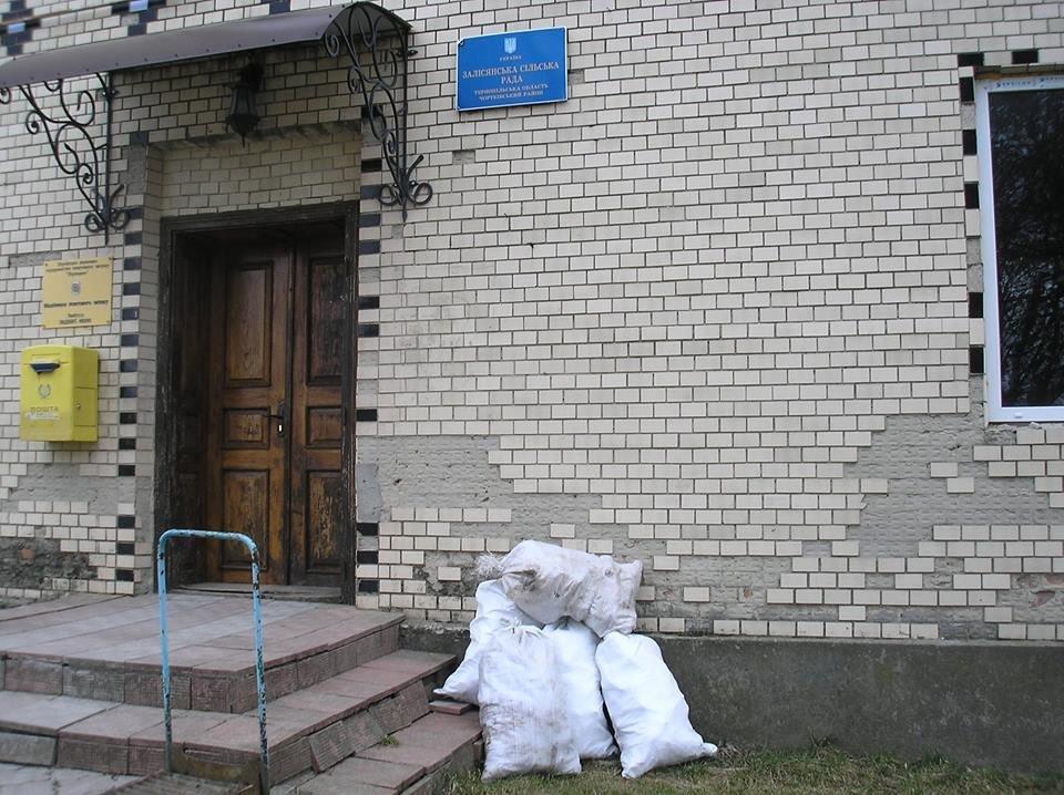 """""""Роздаю листівки в руки, але дивлюся в очі, аби не дурно було"""": мандрівник та активіст з Тернопільщини """"ходив по сусідах"""" та закликав однос..., фото-3"""